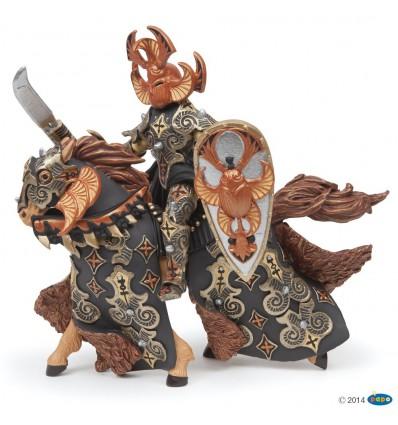 Guerrier scarabée noir et son cheval