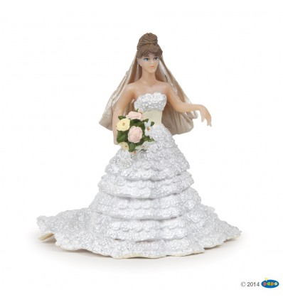 Braut im weissen Spitzenkleid
